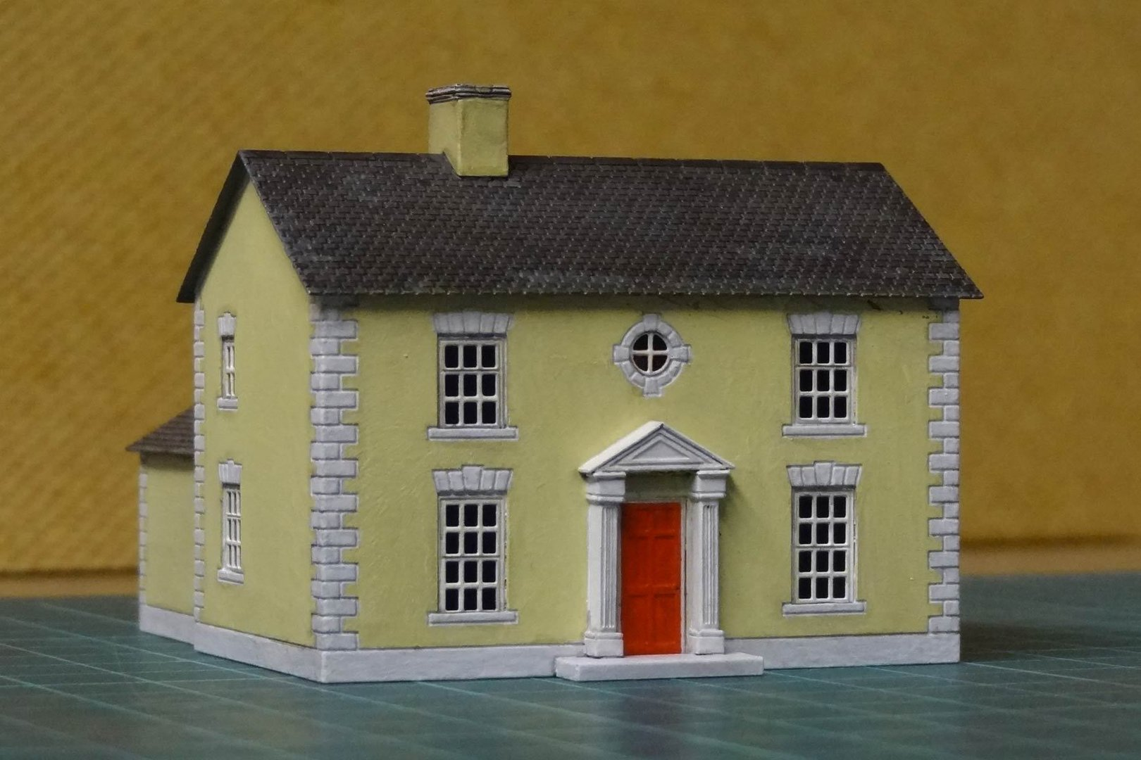 N4 detached house with portico