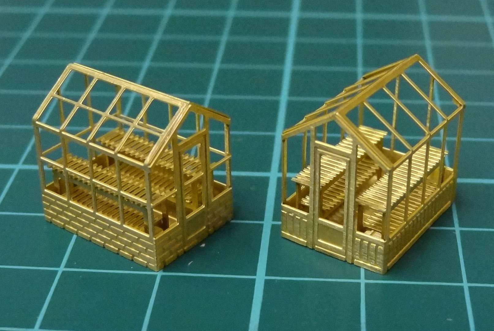 N15 Set of 2 Greenhouses
