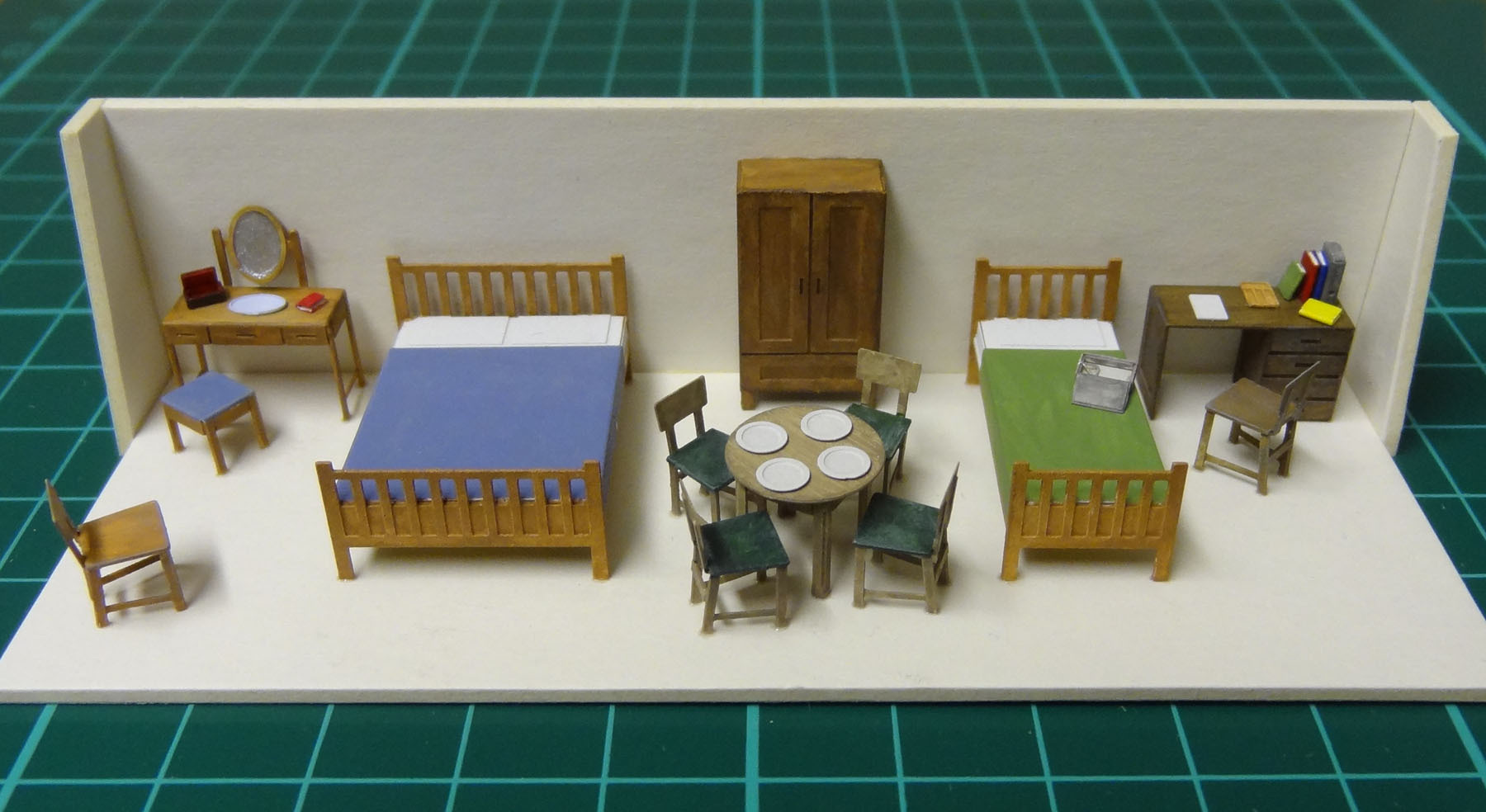 Oo gauge 4mm to 1 foot severn models Scale model furniture