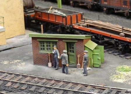 A customised kit D1 in use by the shunting crew on the exhibition layout 'Kepier Colliery'\\n\\n07/06/2016 11:45