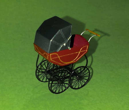 A slightly modified kit O9 pram by Thomas Heller, in classic colours.\\n\\n16/09/2017 16:13