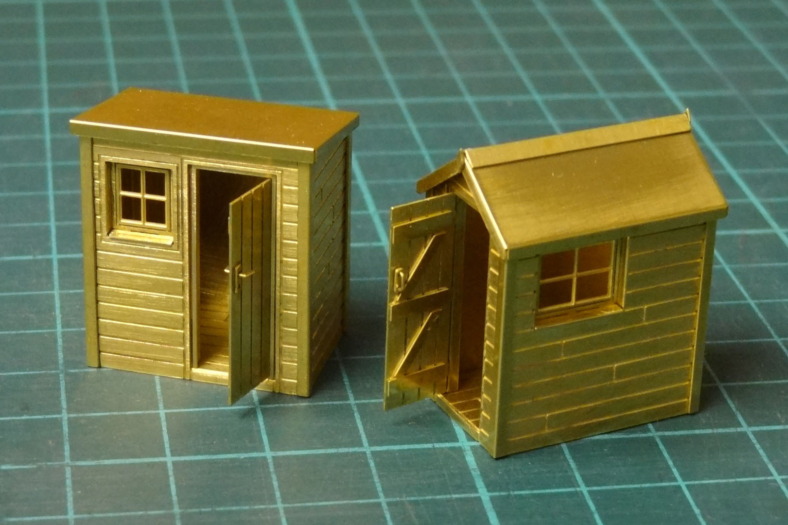 D4 Set of 2 Garden Sheds
